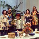 Баянист  Виктор Баринов на праздник.